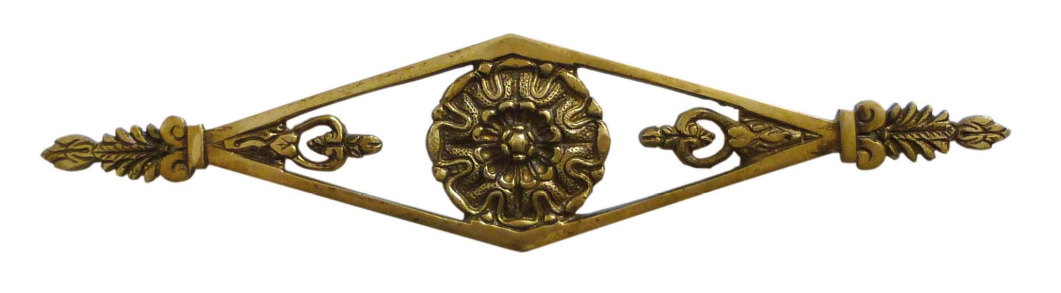 Bronze standard patiné
